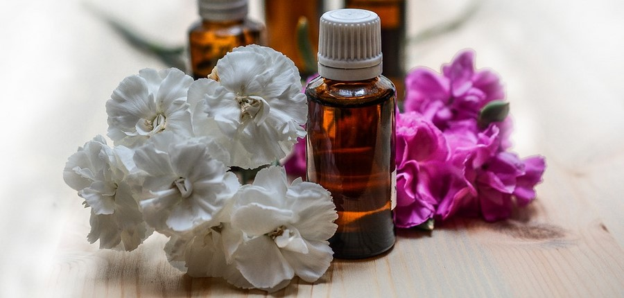 essential-oils-1433692_960_720.jpg